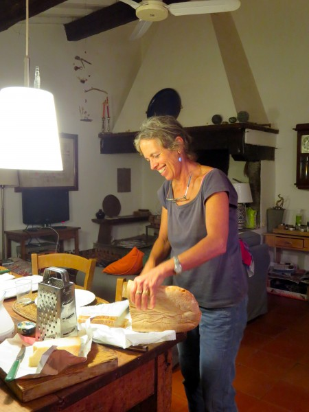 Malo has an olive and iris farm, in addition to a smallel agritorismo. She makes cosmtics and baskets and will lead us on a special hike