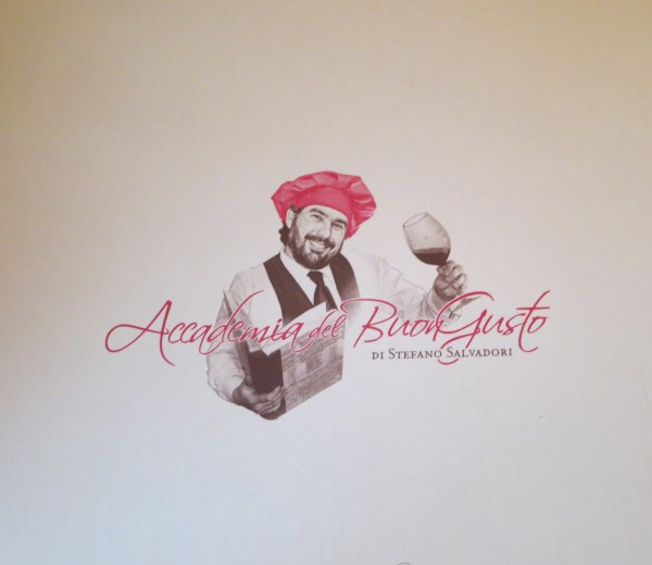 the logo from stefano's  wine shop in Panzano