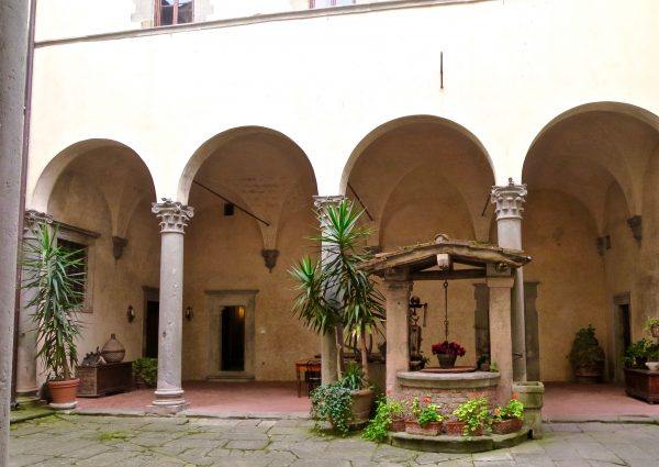 Courtyard to the castle